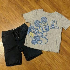 Boys 5T set. Navy shorts and Mickey shirt.